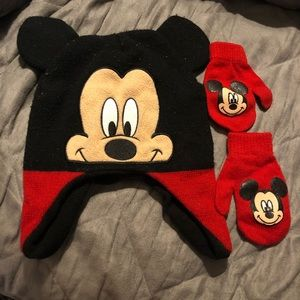 Mickey Mouse Hat & Mitten Set